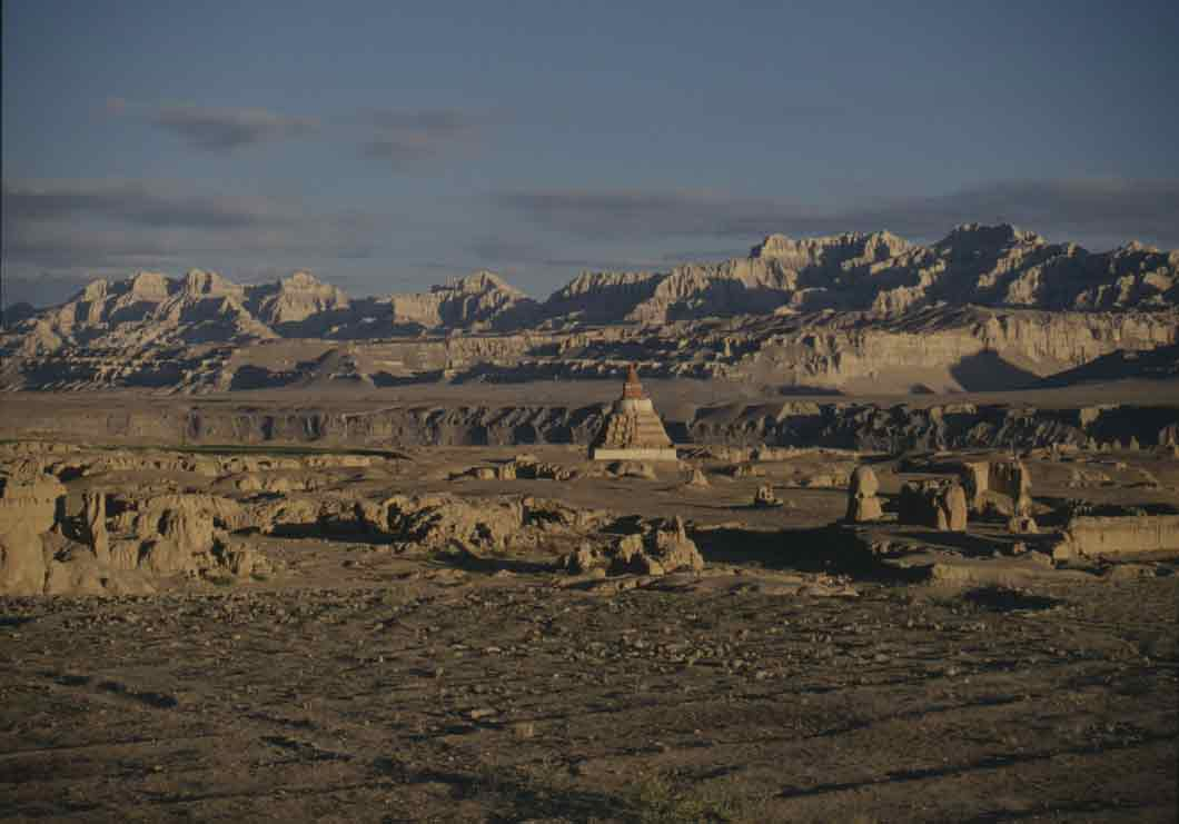 LHASA : MOUNT KAILASH AND THE GUGE KINGDOM